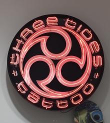 Three Tides Tattoo shop 裏原宿 ネオンサイン オリジナル