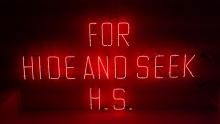 HIDE AND SEEK 原宿 ネオンサイン